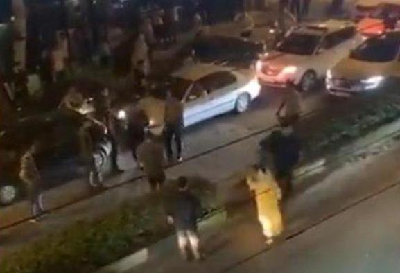 زن مشهدی زد به سیم آخر با کشف حجاب و رقصیدن در میدان شهید فهمیده ...