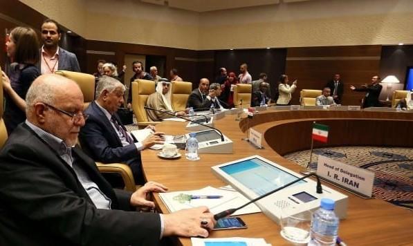علیرغم فشار ترامپ، اعضای اوپک برای کاهش عرضه نفت توافق کردند، ایران معاف شد