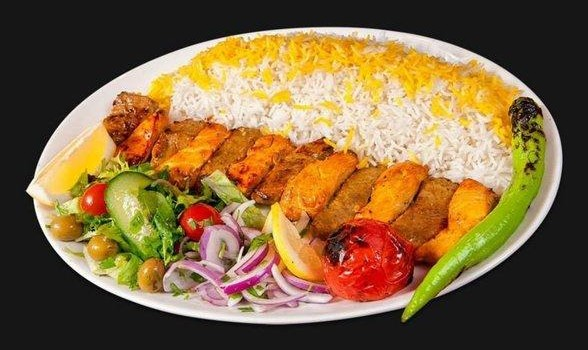 تخفیف ویژهی رستوران ایرانی منوش