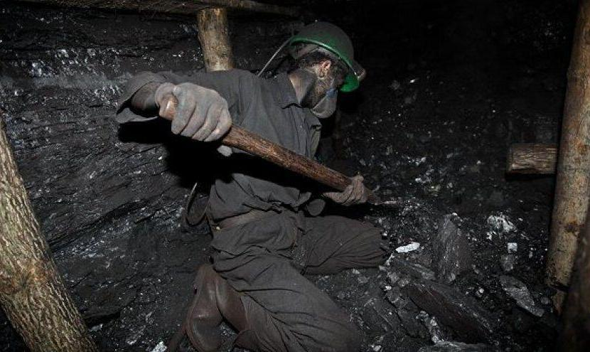 جستوجو برای یافتن دو کارگر زیر آوار معدن طزره دامغان