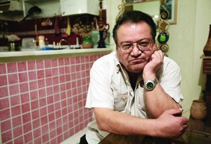 یک هنرمند ایرانی دیگر در غربت درگذشت: محمد مطیع بازیگر سلطان و شبان در منزل شخصی خود در کشور سوئد درگذشت