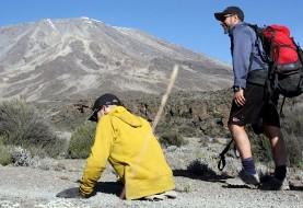 فتح قله کلیمانجارو تنها با کمک دو دست! توسط اسپنسر وست الگوی اراده و انگیزه
