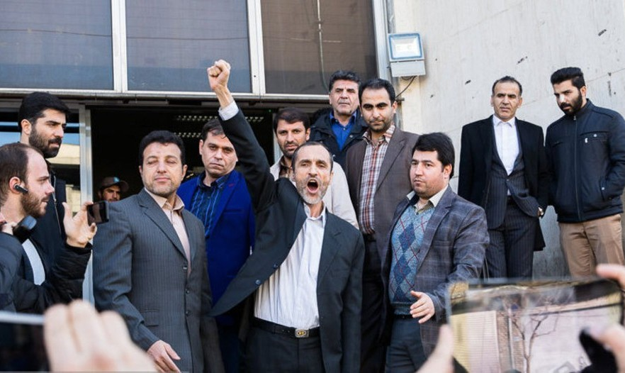 بقایی دستگیر شد: ۱۵ سال حبس و ۴۳ میلیارد تومان جریمه/  احمدی نژاد: نظام برای انسانها هیچ حقی قائل نیست و سخت پشیمان خواهد شد