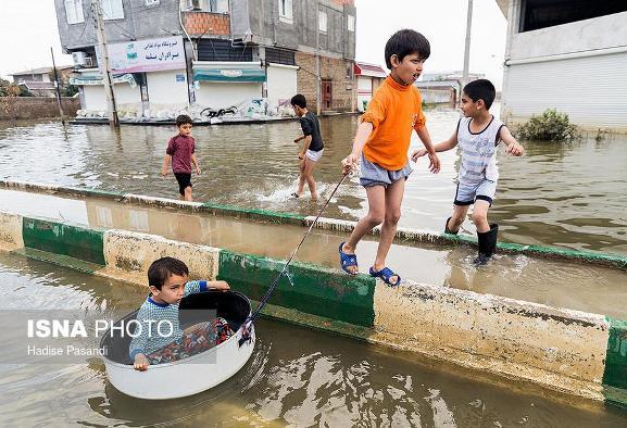 ۴۶ روز گذشت! به روایت تصویر: بازی کودکان مظلوم اطراف آبهای آلوده و ...