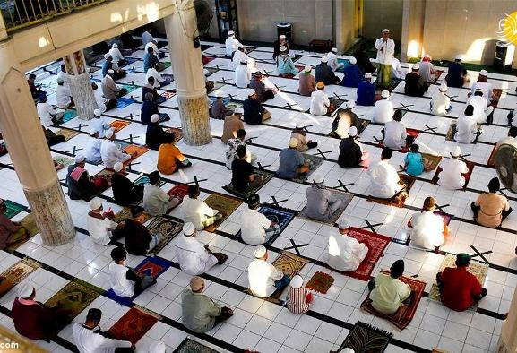 In Pictures: Muslims conduct Fitr prayers during coronavirus