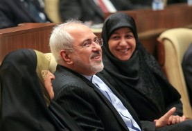 ظریف: تحریمها هرگز موثر نبودهاند چون فقط مردم عادی آسیب می بینند ولی سیاست تغییر نمی کند