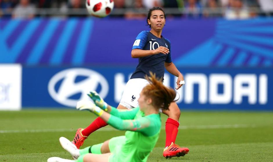 یکی از قویترین تیمهای اروپا این دختر اعجوبه فوتبال ایرانی فرانسوی ...