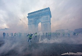 Yellow vests continue protests across France despite suppression by 80000 police