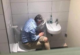 اعتراف استادبزرگ شطرنج به تقلب در توالت! +عکس