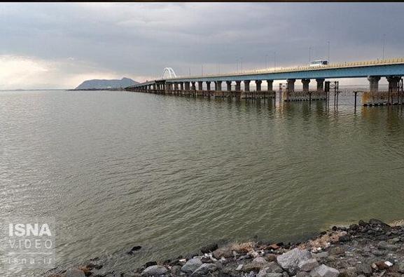 Torrential rains add 1 meter to Urmia lake level