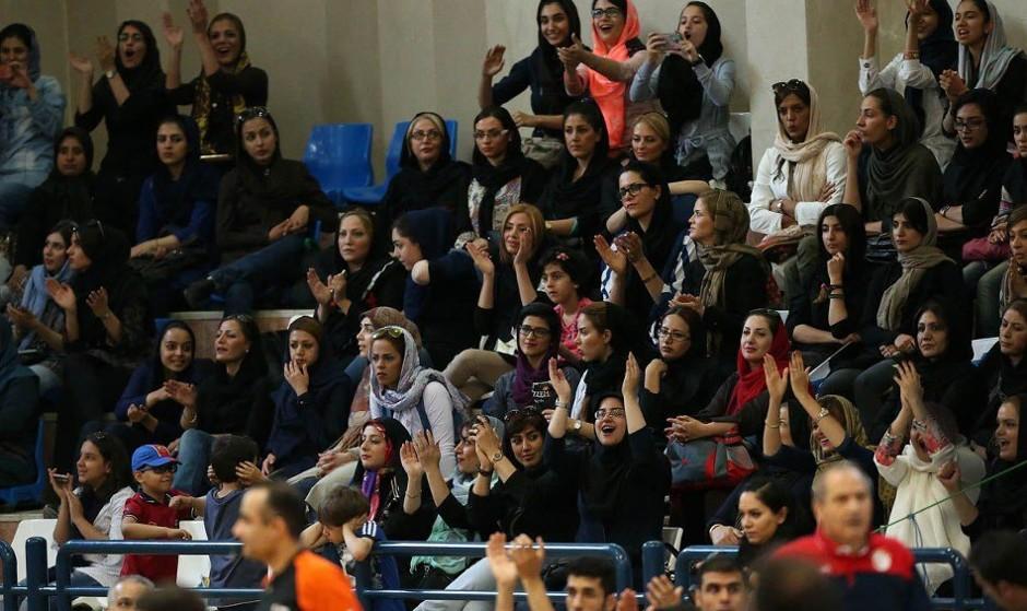ورود زنان به سالن بسکتبال بازی ایران و عراق آزاد اعلام شد