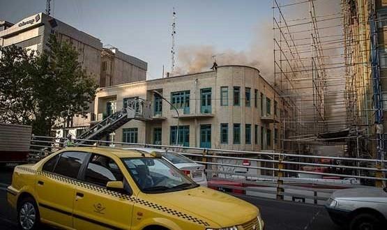 کارگاه تولید پوشاک در خیابان انقلاب در آتش سوخت/نجات جان دو کارگر