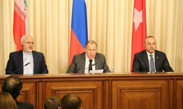 چشم انداز پایان جنگ داخلی سوریه: ظریف فردا برای دیدار با لاوروف و چاووش اوغلو به ترکیه میرود