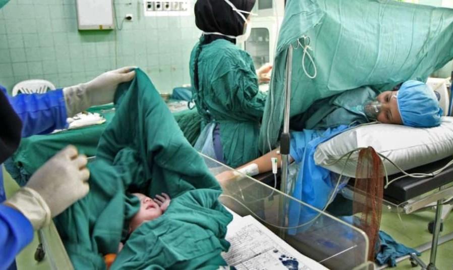 هر نوزاد ۳۰میلیون تومان! جزئیات جدید پرونده نوزاد فروشی در مشهد: نقش «خانم دکتر» و مردی که دوقلوهای ۱۵ روزهاش را فروخت!