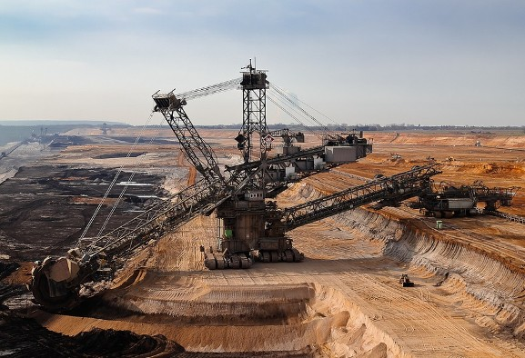 Germany to Phase Out Coal Mining While Trump Calls Coal BEAUTIFUL