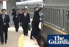 محافظان رهبر کره شمالی پیش از دیدار وی با پوتین در ولادی وستوک، دستگیره های قطار و صندلی وی را با الکل تمیز کردند