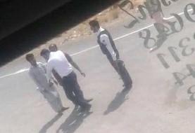 معلق شدن مامور پلیس راهور در سیستان در پی سیلی زدن به یک راننده کامیون افغان +عکس