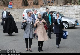 In Pictures: Swedish Female Delegates in Tehran with Hijab