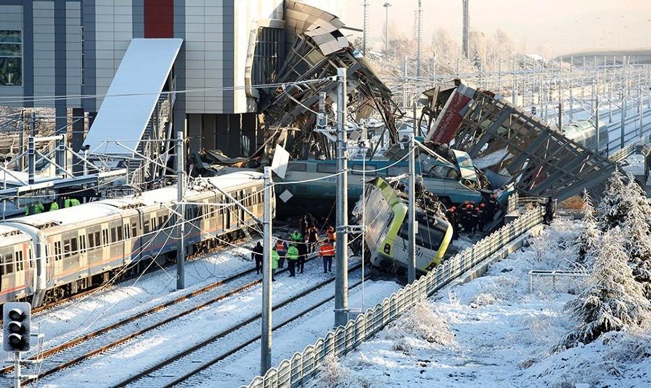 در سانحه قطار در پایتخت ترکیه دست کم ۵۹ نفر کشته و مجروح شدند
