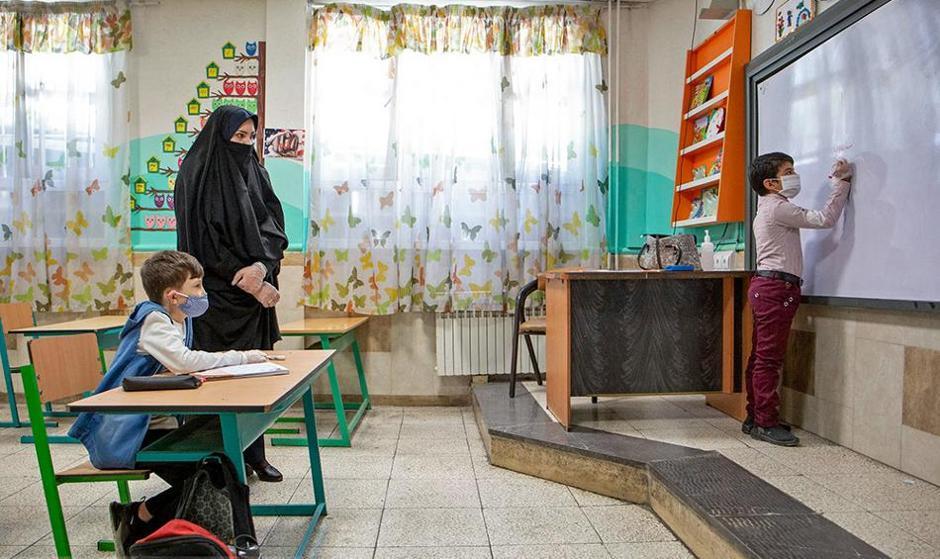 آلبوم تصاویر جالب: بازگشایی مدارس و زیارتگاهها در ایران و سایر کشورها