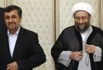 احمدینژاد به لاریجانی: به استناد کدام قانون مانع از اجرای قانون اساسی می شوید