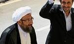 پاسخ تنداحمدی نژاد به لاریحانی: چگونه اجرای قانون اساسی را به مصلحت نمیدانید. مصمم به اصلاح ریشه ای امور کشور هستم