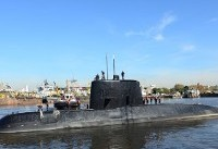 Rescuers battle waves, wind in hunt for missing Argentine sub