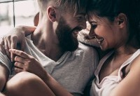 What Does A Healthy Relationship Look Like? Experts Weigh In