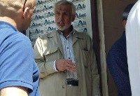 الیاس نادران در صف رای برای انخابات ریاست جمهوری