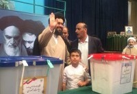 یاسر خمینی رای خود را به صندوق انداخت+تصویر