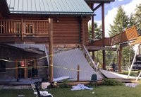 Authorities: 32 people go to hospitals after deck collapse