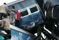 تصاویر؛ ۱۷۰ کشته و زخمی بر اثر خروج قطار از ریل در هند