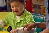 دوزبانه بودن به کودکان مبتلا به اوتیسم کمک می&#۸۲۰۴;کند