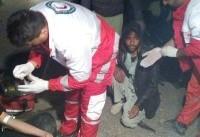 خودروی حامل اتباع بیگانه در بم دچار حادثه شد (+عکس)