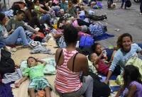 Trump warns Honduras to halt migrant caravan or lose US aid
