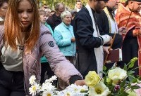 Tears, confusion as Crimea mourns college shooting