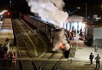 تصادف قطار با مردم در هند دهها کشته و مجروح برجای گذاشت