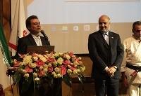 اهدای مدال و لوح قهرمان کاراته آسیا به مدیرعامل بانک ملت