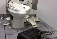 انفجار توالتهای فرنگی و مصدومیت دهها نفر در آمریکا
