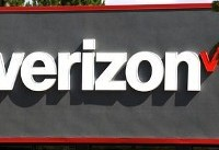 Verizon says to shed 10,400 jobs by mid next year
