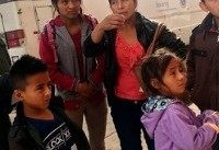 دختر ۷ ساله یک خانواده مهاجر در بازداشت مأموران آمریکایی جان سپرد