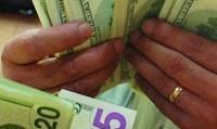 دلار وارد کانال ۹ هزار تومان شد