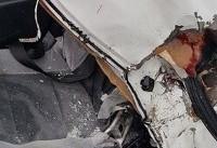 سقوط سنگ برروی خودرو در استان تهران (+عکس)/ یک کشته و یک زخمی