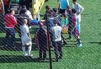 فوتبالیست جوان پس از بلعیدن زبانش در جریان مسابقه درگذشت