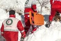 تیمهای هلال احمر امشب در ارتفاعات اسکان دارند؛ تلاش برای انتقال اجساد فردا ادامه مییابد