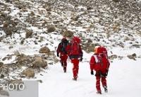 تلاش ۴۰ امدادگر برای انتقال اجساد سرنشینان هواپیمای تهران - یاسوج