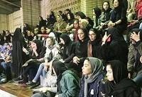 استقبال قابل توجه بانوان از دیدار ایران و عراق در تالار آزادی