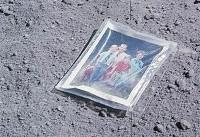 فهرستی از وسایل جا مانده در ماه توسط فضانوردان
