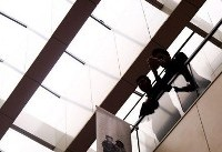 بلیت فروشی اضافه و اعتراض اهالی سینما/استقبال هنرمندان از روز دوم جشنواره جهانی فجر+عکس