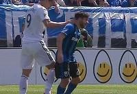 وقتی زلاتان به بازیکن حریف پس گردنی میزند! (عکس)